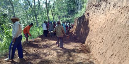 Kegiatan Pembuatan Jalan Baru Dusun Jambe-Dusun Mangkujayan Tahun 2018